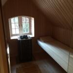 Sauna Dachschräge Dachbodensauna mit seitlicher Verkleidung mit Glastüre in Leck mit Fenster (3)