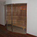 Sauna Sonderanfertigung Voll-Glasfront Erker Schrägform (5)