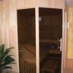 Sauna fünfeck Glasfront getönt integrierte Hifi über Saunasteuerung Westerrönfeld (5)