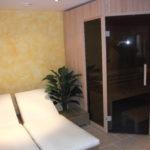 Sauna fünfeck Glasfront getönt integrierte Hifi über Saunasteuerung Westerrönfeld (6)