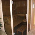 Sauna fünfeck Glasfront getönt integrierte Hifi über Saunasteuerung Westerrönfeld (7)