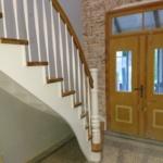 Treppe geschwungen hellbraun weiß Tischlerei Mohr Büdelsdorf-Rendsburg (4)