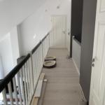 Treppe-mit-Geländer-grau-weiß-mit-Türe, Büdelsdorf, nok, handwerkskammer, handwerkerrolle