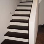 Treppe ummauert weiß braun geschlossene Stufen Tischler Schleswig-Holstein
