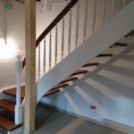 braun weiß Treppe Holz Treppenbau Rendsburg Tischler beleuchtet (10)